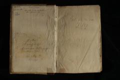 A papír előzék a kódex elején