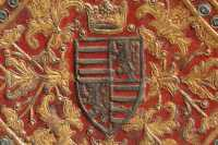 Both the left and the right boards feature King Matthias' Hungarian and Bohemian royal coat-of-arms, with the crown above, gilded, and painted on its open part